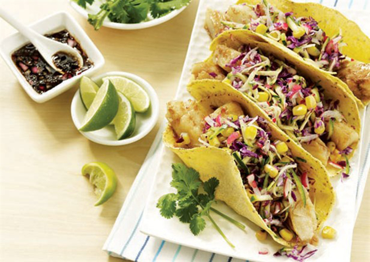 Fish tacos with zucchini radish cole slaw fitnationxo for Fish tacos with coleslaw